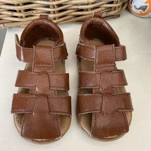 Brown pleather summer shoe